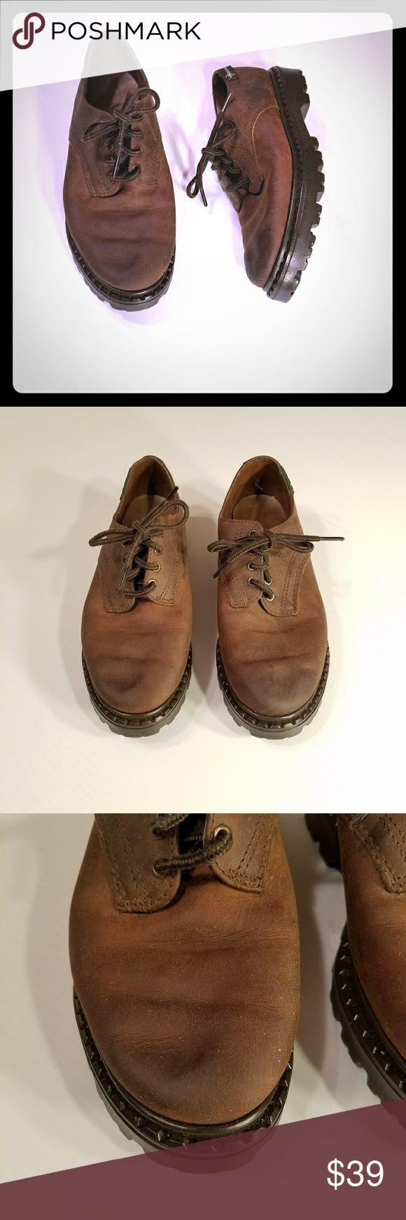 Vintage Eastland Leather Oxfords Lug Soles Sz 7M Vintage Eastland Oxfords Shoes Dark Brown Leather Lace Up Lug Soles Womens Sz 7M  Size 7M  See all pics for details Eastland Shoes Flats & Loafers