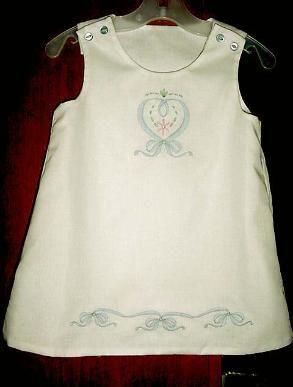 http://elizabethsembroideries.com/sitebuilder/images/MVC-001S46-293x387.jpg