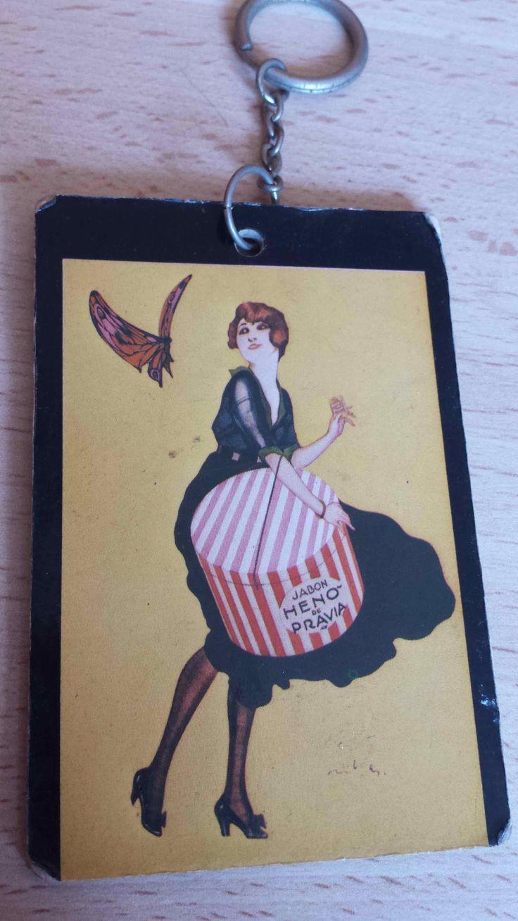 llavero vintage Heno de Pravia. Perfumería Gal de Madrid. (antique key chain). Disponible en Ebay: http://www.ebay.es/itm/llavero-vintage-Heno-de-Pravia-Perfumeria-Gal-de-Madrid-antique-key-chain-/122058731716?hash=item1c6b4470c4:g:AEwAAOSwE6VXJh9h