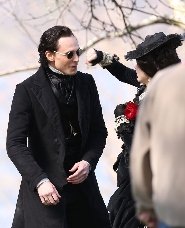 Tom Hiddleston, Jessica Chastain Charlie Hunnam and Mia Wasikowska film scenes for Guillermo del Toro's new movie 'Crimson Peak' on May 6, 2014.