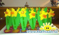 narcis cakejes - Traktatie snoep, Traktaties - En nog veel meer traktaties, spelletjes, uitnodigingen en versieringen voor je verjaardag of kinderfeest op Party-Kids.nl