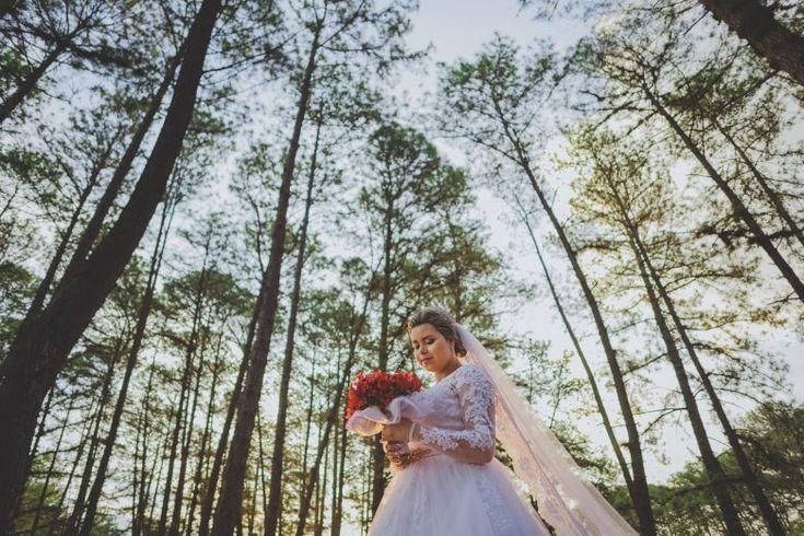 ♥♥♥  Marcos Paula - Foto e Filme Marcos Paula - Foto e Filme preserva as memórias mais preciosas através de fotografias de casamento espontâneas e criativas. http://www.casareumbarato.com.br/guia/marcos-paula-foto-e-filme/