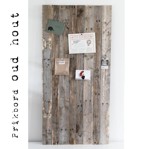 Pinboard made from pallets