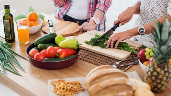 Dieta facile. Un regime alimentare semplicissimo per smaltire quattro chili in un mese. Senza dover pesare gli ingredienti o impazzire per la spesa