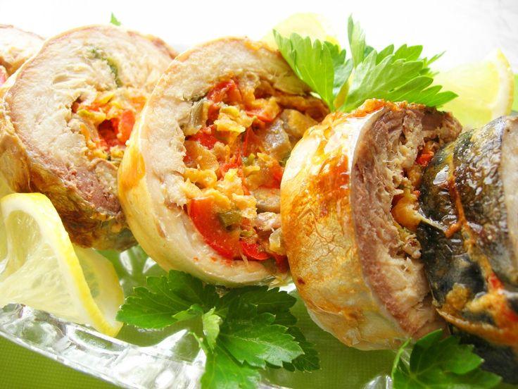 Рулет из скумбрии с начинкой из овощей