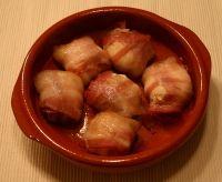 Tapas Recepten ~ Tapas en Kleine hapjes voor elke feestelijke gelegenheid » Geitenkaas met honing en spek