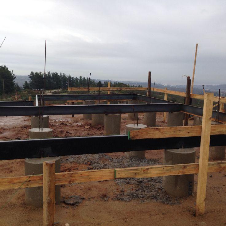 Rellenar tubos y vigas perimetrales de perfil metálicas estructurales