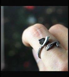 Δαχτυλίδι πουλί σε κλαδί
