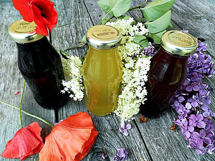 Sirop, colorant natural din maci, liliac, salcam, papadie, sau soc