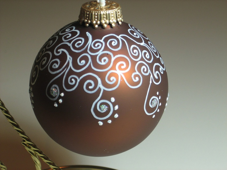708 best christmas ball ornaments images on pinterest for Glass christmas ornaments to paint