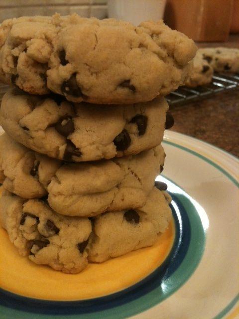 Treat Friday! – Vegan Gluten Free Chocolate Chip Cookies | iheartwellness.com