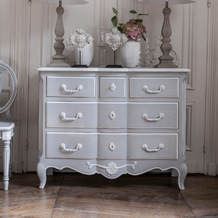 les 22 meilleures images propos de commode shabby chic sur pinterest maison peinte shabby. Black Bedroom Furniture Sets. Home Design Ideas