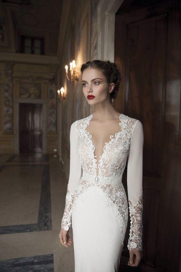 Vintage 1940s delicate wedding dress