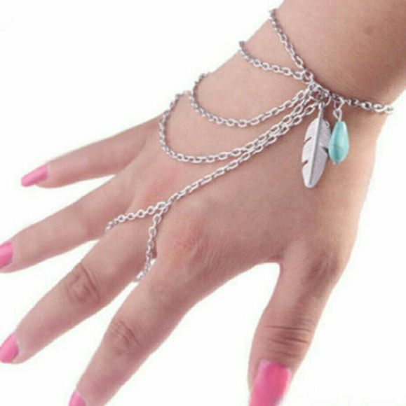New boho slave feather bracelet ring chain New boho slave ring bracelet chain feather and turquoise adorable .silver tone one size 2 available price is for 1 Jewelry Bracelets