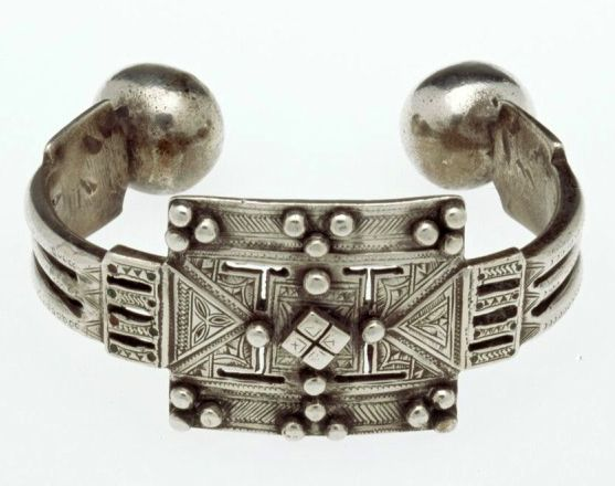 Morocco | Silver anklet | African Museum (Belgium) Collection; acquired 1989