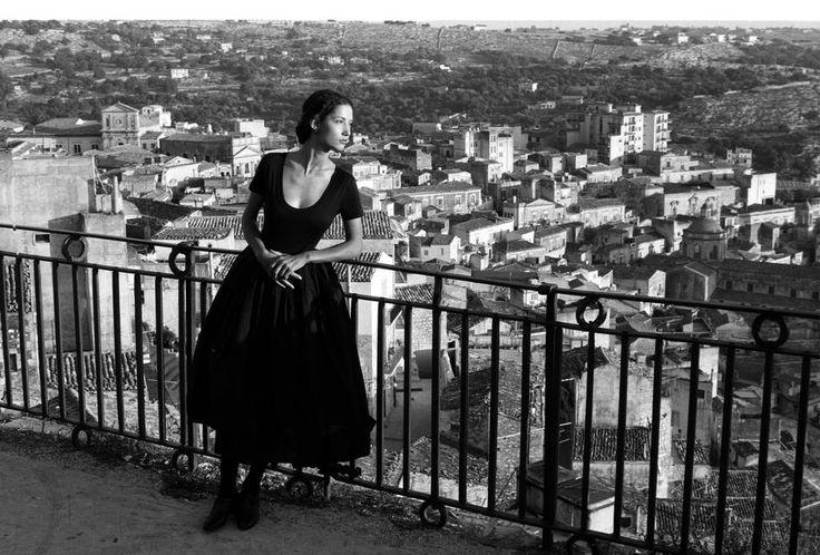 1987 Sicilia: Ferdinando Scianna sign the 2th fashion catalogue for Dolce Gabbana with Marpessa model.