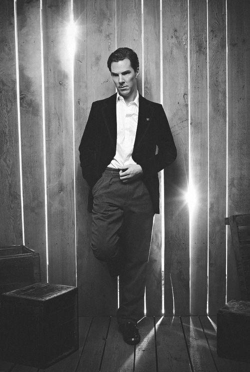 Benedict Cumberbatch- so handsome.