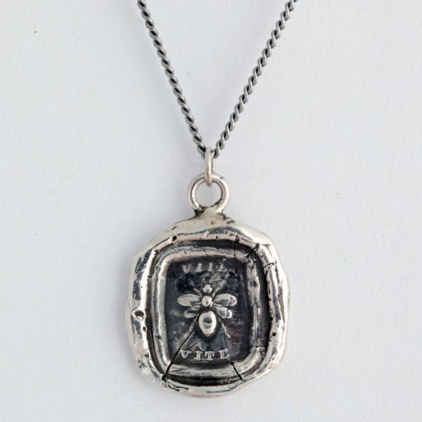 vita from pyrrha: Latin Words, Bees Uti, Creative, Handcrafted Talisman, Bees Symbols, Talisman Necklaces, Bees Necklaces, Honey Bees, Necklaces Features