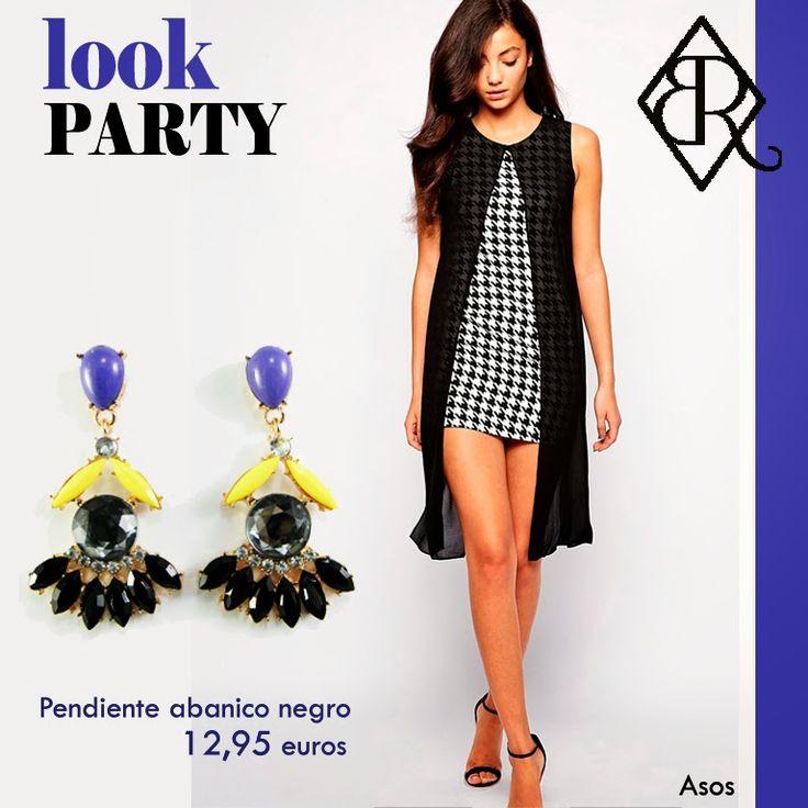 Outfit de vestido recto en pata de gallo y pendientes abanico en negro  www.missbrumma.com
