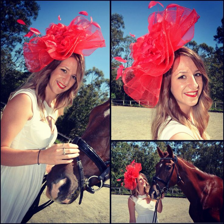 Ellie wearing the Red Rose piece. This also comes in other colors. Come by and see which one fits you best! #races #robinatowncentre #thehatstore #robina #fascinator #australia #melbournecup #fashion #headwear #racewear #headdress #style