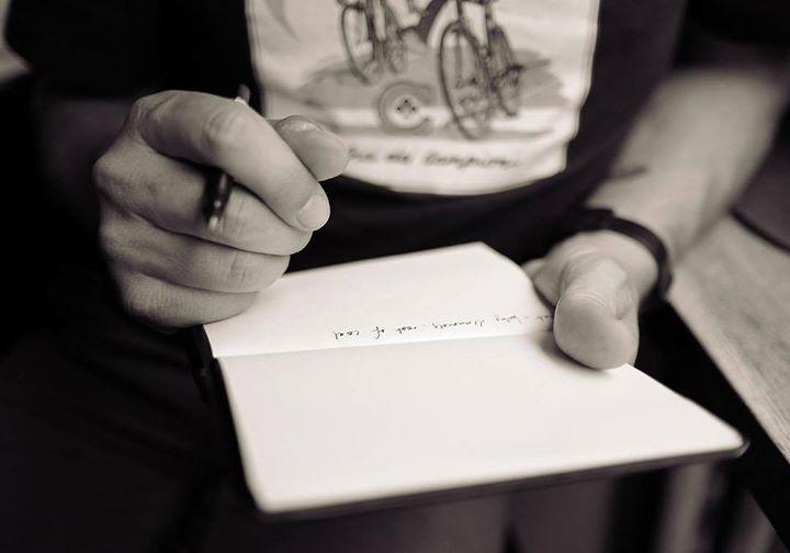Ετςι μ αρέσει εμένα να αναμοχλεύω τον καιρό . Γράφω οτι αιςθανομαι και τα κρατώ στην ψυχή μου  #sayings #im #sayingstoliveby #art #photography http://ift.tt/2916YOW