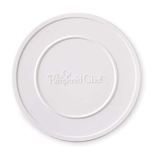 I'm SOOO glad there is a Manual Food Processor Storage Lid - The Pampered Chef®!!! www.pamperedchef.biz/kpartain