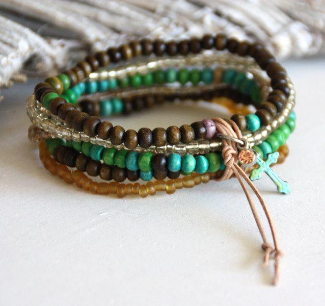 Armbänder - Armband Kreuz ⋆ Glas & Holz ⋆ Bettelarmband... - ein Designerstück von greenCarry bei DaWanda