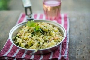 Orzo pasta with prawns & summer courgettes
