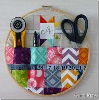 Embroidery Hoop Sewing Caddy. I should make this for my mommy for her bday.