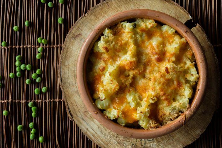 Baked Mashed Potatoes and Peas | Akis Petretzikis