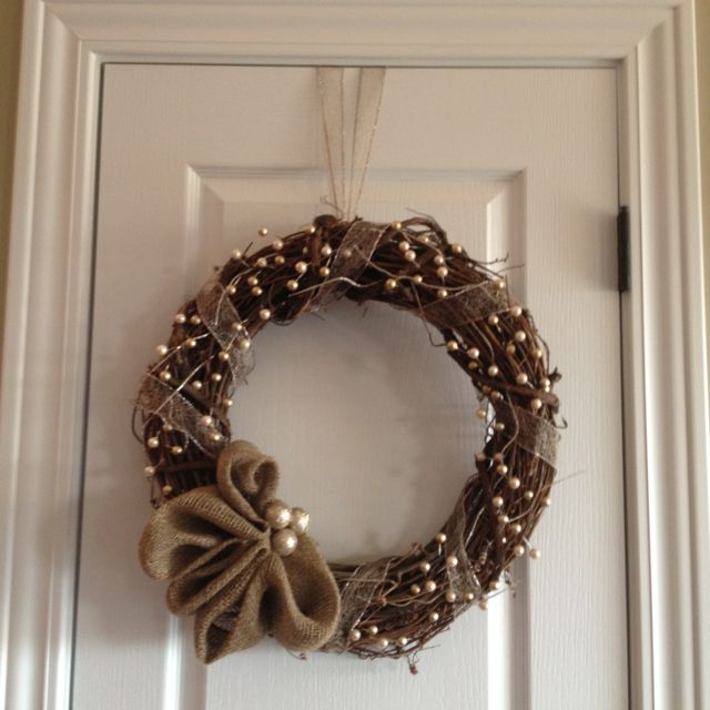 Christmas DIY wreath. I think I'd make it an actual bow.