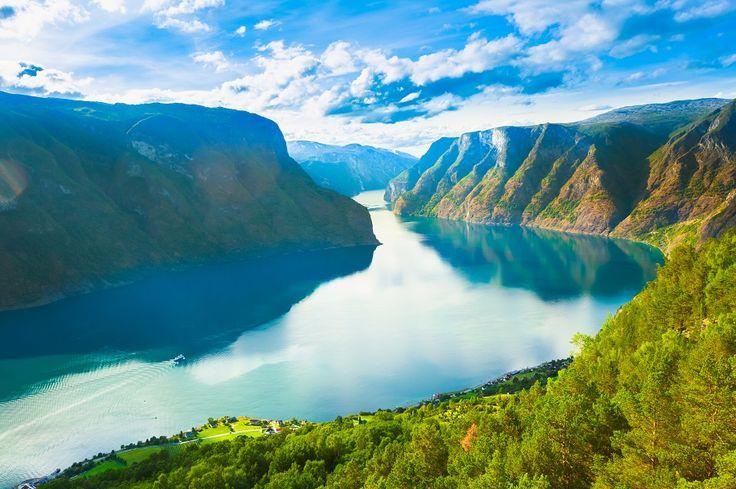 Fiordos noruegos, la belleza del norte - Panavisión Tours