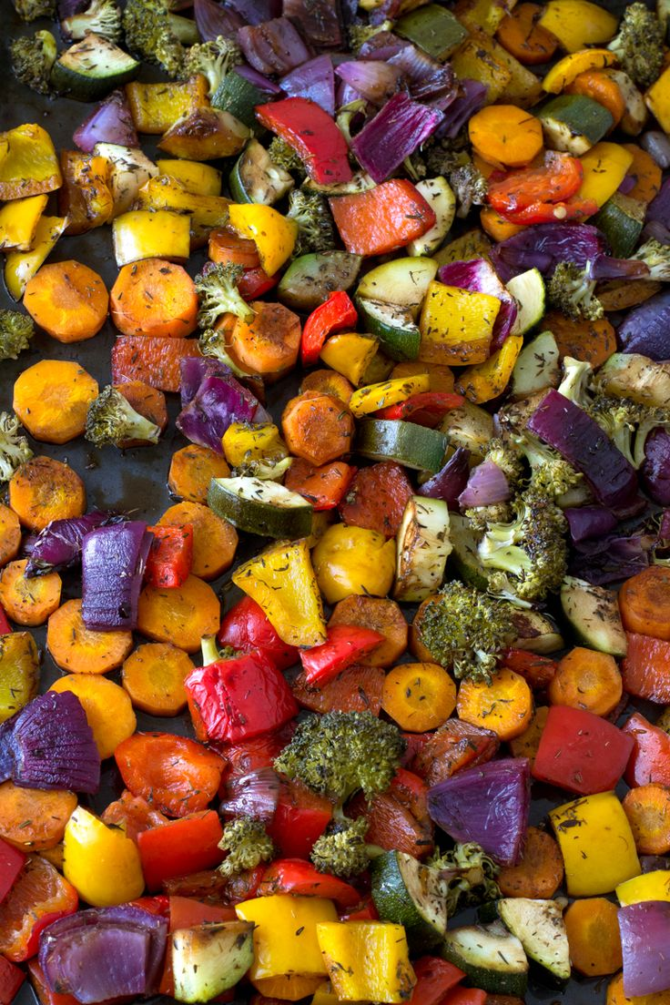 Oil Free Rainbow Roasted Vegetables - These oil free rainbow roasted vegetables are so delicious, healthy, low in fat and easy to make. It's one of my favorite side dish recipes!