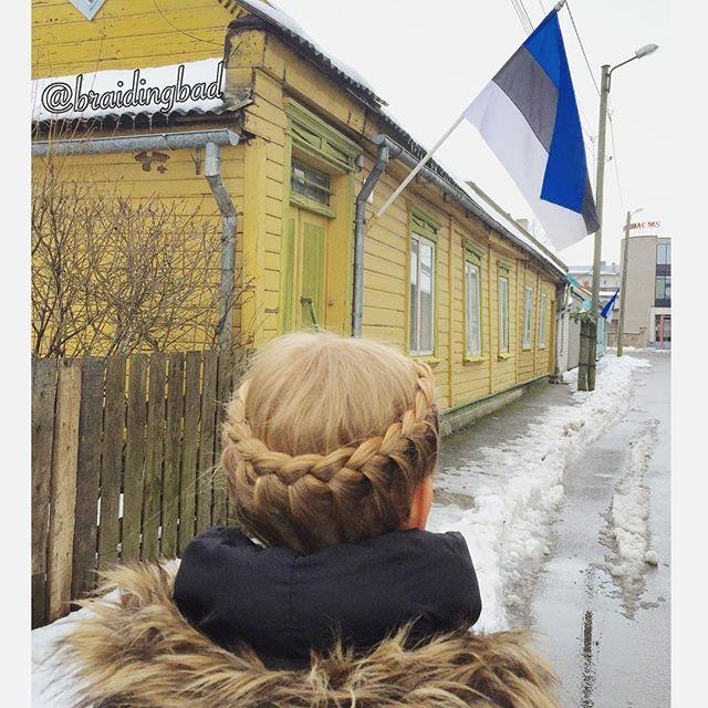 Happy 98th Independence Day to all of our Estonian friends !! . . . #braid #crownbraid #lacecrownbraid #braidinghair #braidideas #instabraids #letti #lettikampaus #kruunuletti #hairdo #hairstyles #flette #plaitedhair #suomiletit #braidsforgirls #featuremeisijatytot #featuremejehat #hotbraidsmara #braidsforlittlegirls #braidingchallenge #featureaccount_ #braidinginspiration #perfecthairpics #inspirationalbraids #cghphotofeature #pärnu