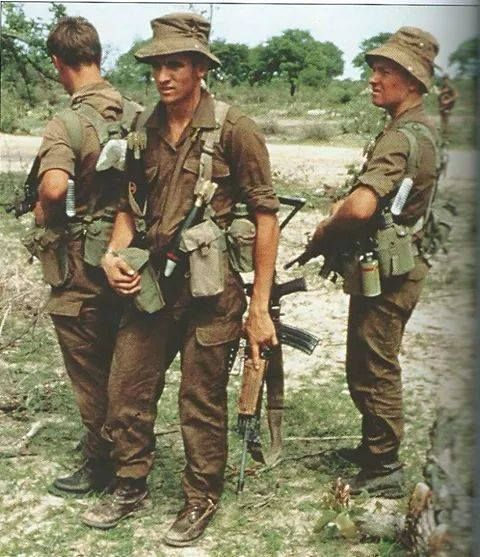 SA Army soldiers with R4 assault rifle.