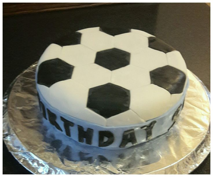 Home made children's birthday cake with football icing design #homemadecake #footballcake #childrensbirthdaycake #football