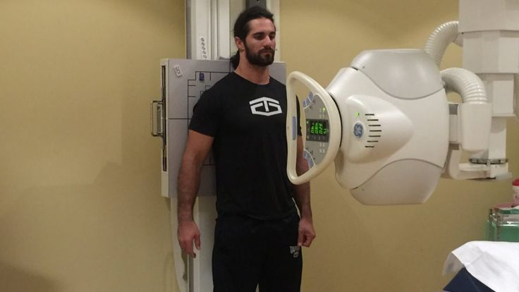 Video: Seth Rollins Gets X-Rays Before Tonight's WWE RAW | Daily Wrestling News