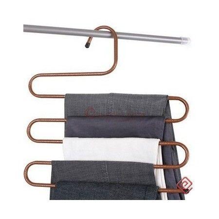Här har du en produkt som kommer att organisera i din garderob! Häng enkelt upp flertalet byxor, handukkar eller liknande. Otroligt smart och bra ur förvaringssynpunkt.