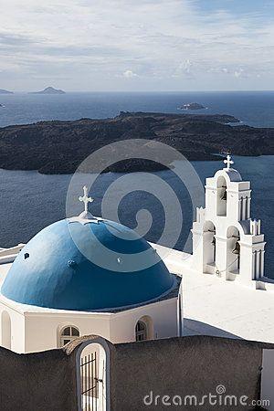 White and blue domes in Firostefani, Santorini Greece #oia #santorini #greekvillage #greece #bluedomes
