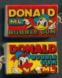 """Donald Duck kauwgom, met zo'n plaatje waarbij je over je hand moest likken, plaatje erop drukken en dan had je een """"tatoeage""""."""