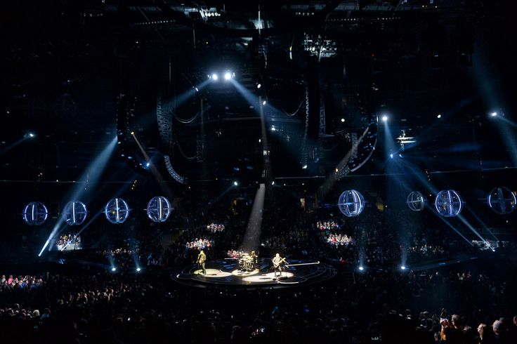 . Muse performs during their concert at the Staples Center in Los Angeles, Friday, December 19, 1025. (Photo by Hans Gutknecht/Los Angeles Daily News: