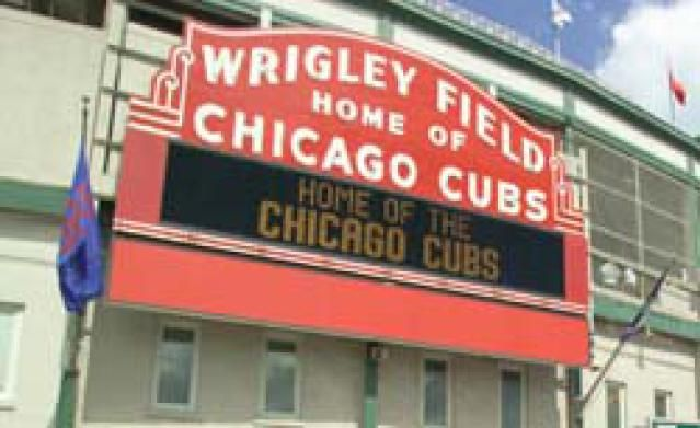 8 Must-See Tourist Attractions in Chicago: Wrigley Field