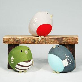 """wonderful bird rattles"" Bake an easter egg base for a dog paper"