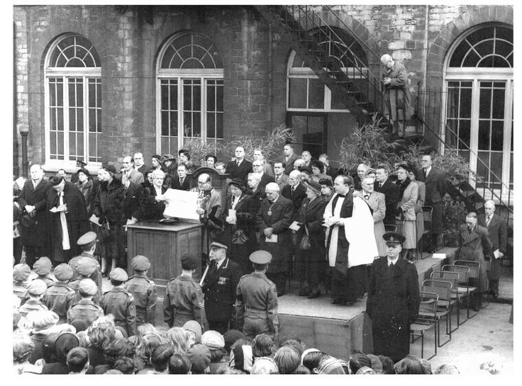 1936; the ascension of King Edward VIII is snnounced outside the town hall by the mayor