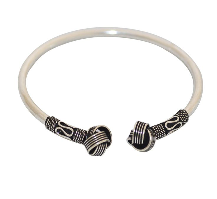 Buy silver bangles online for women and give elegance and style for your looks. This ornament match with the most different occasions from parties to office. http://www.rajsi.in/products/bangles.html