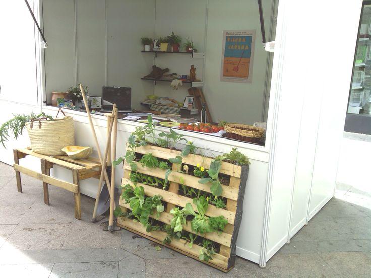Huerto vertical en palets reciclados plantas pinterest - Huerto con palets ...
