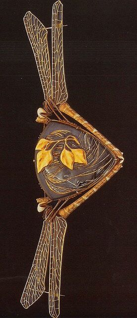 Wood Nymph cloak clasp by Rene Lalique, 1904-05. Gold, glass, enamel | The Jewels of Lalique by Yvonne Brunhammer, published by Flammarion, 1998