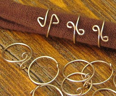 Simple wire wrap rings tutorial #handmade #jewelry #DIY