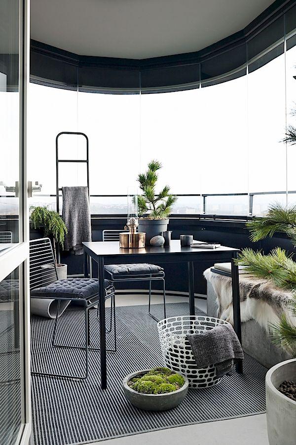 Balcony | SkandiaMäklarna