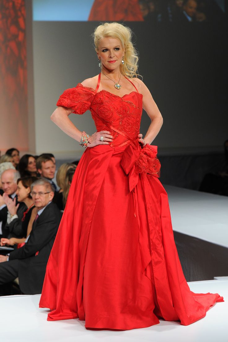 Isabelle Maréchal wearing Anne de Shalla - The Heart Truth Canada